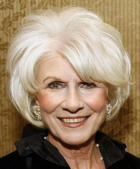 20 Nydelig hårklipp for kvinner over 70