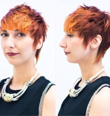 Korte piggete hårklipp for kvinner