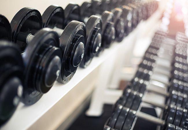 Vitenskapen bak å ta en pause fra treningsstudioet